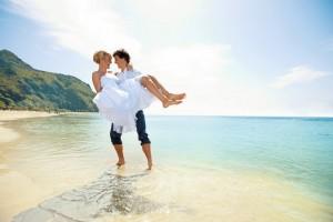 mariage plage tfs pied dans eau